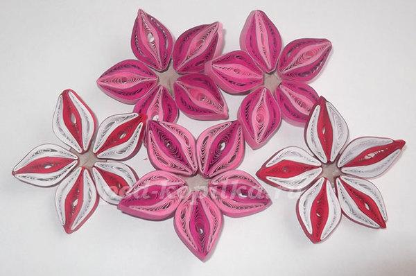 Картина цветы в технике квиллинг.