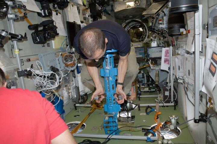 ISS13 Международная космическая станция: экспедиция 34