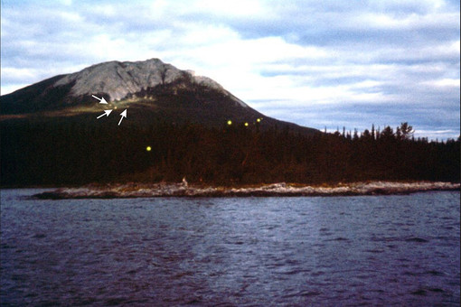 Огни, сфотографированные на Аляске около 1 июля в 1972 или 1973 году(точная дата неизвестна)