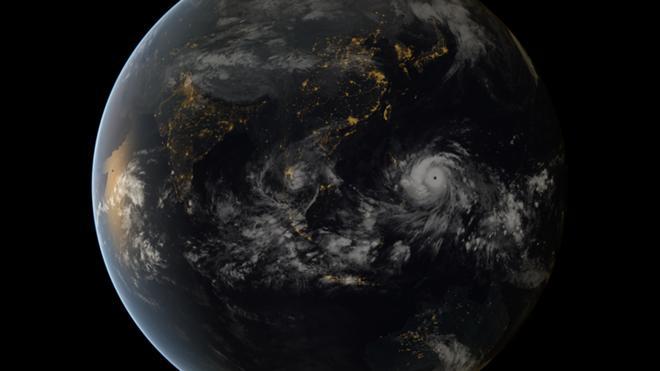 Hình ảnh đáng sợ về siêu bão mạnh nhất hành tinh 1