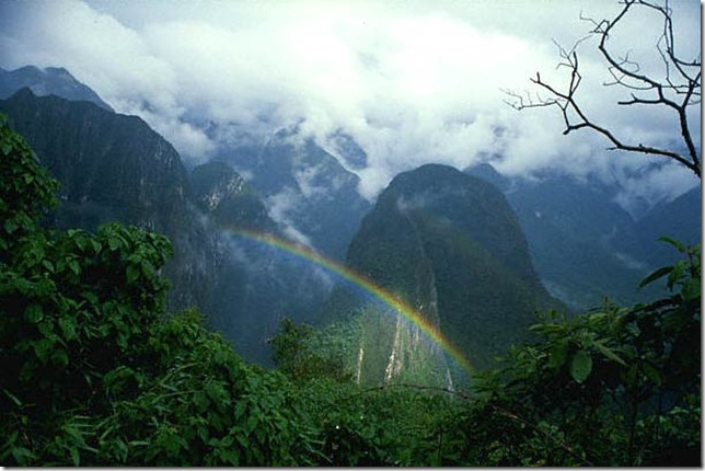 http://lifeglobe.net/x/entry/1042/Andes2_RainbowB_3.jpg