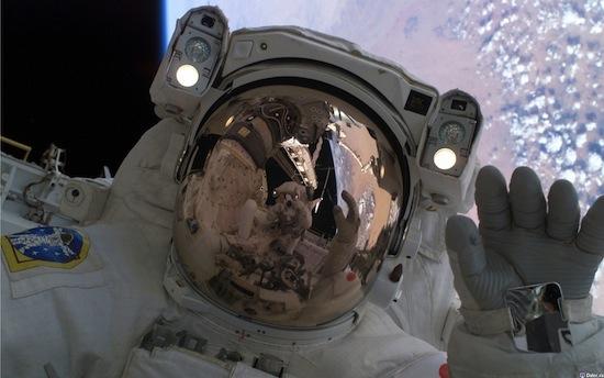 10 главных опасностей, которые подстерегают человека в открытом космосе