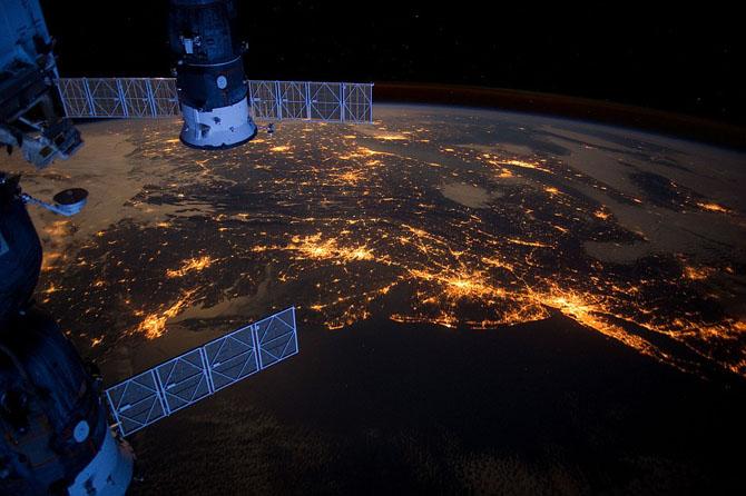 Далекий космос в мае 2013