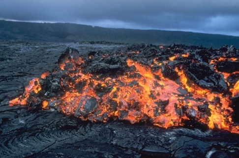 Извержение подводного вулкана образовало новый остров в Тихом океане