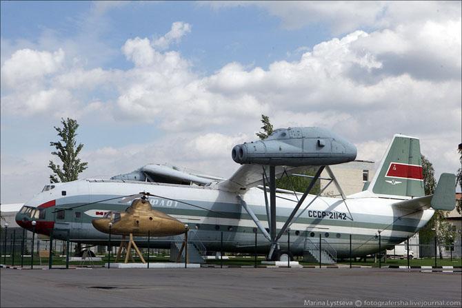 Экскурсия в вертолет-музей В-12