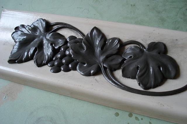 модель из пластилина для гипсового карниза