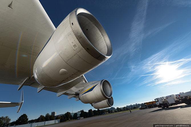 Ан-225 «Мрия» - самый большой самолет в мире