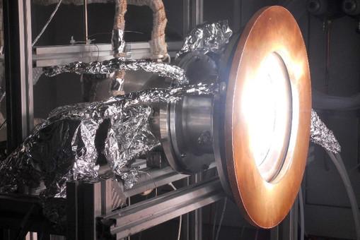 Реактор, преобразующий свет, воду и углекислый газ, в керосин