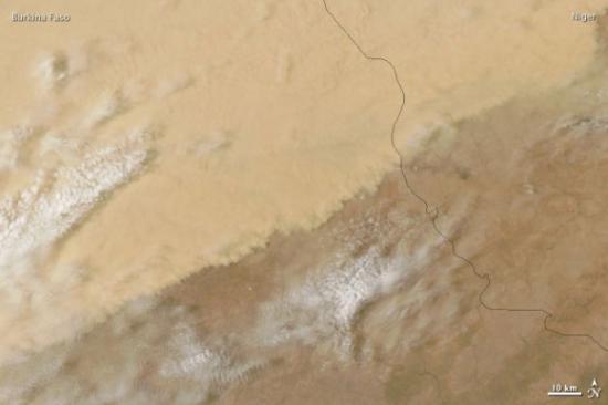 Буря в пустыне Сахара