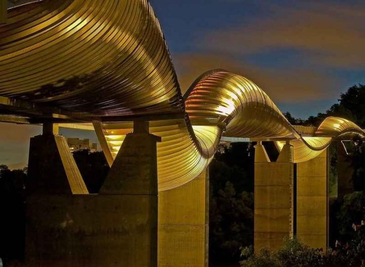 Самый извилистый пешеходный мост
