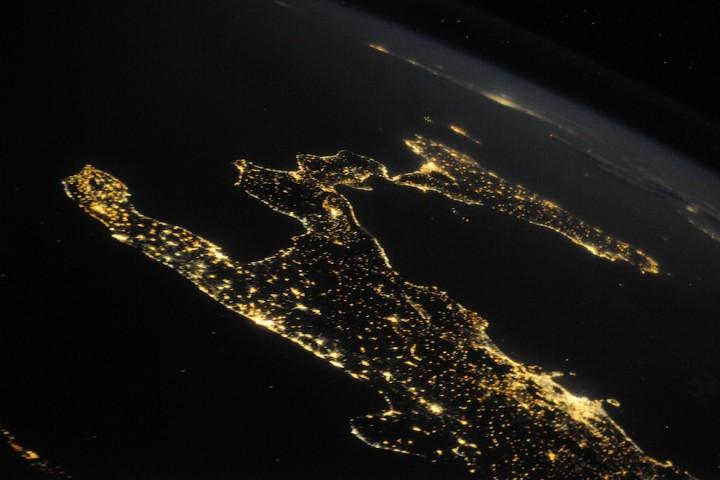 2232 Невероятные фото из космоса астронавта Дугласа Уилока