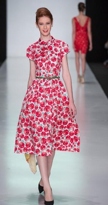 Zarina красное платье
